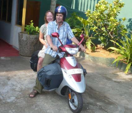 sri lanka reisen mit dem motorrad scooter mieten und. Black Bedroom Furniture Sets. Home Design Ideas